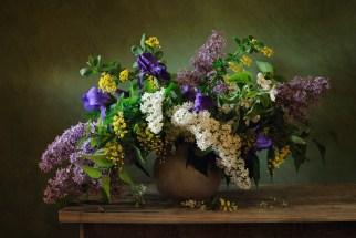 antique floral arrangements 140250172