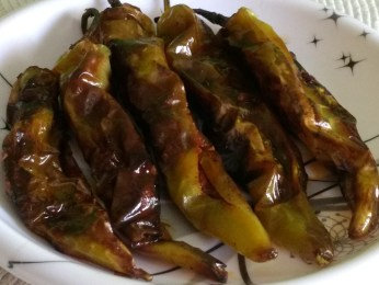 Stuffed Chilies( Bharva Hari Mirch)
