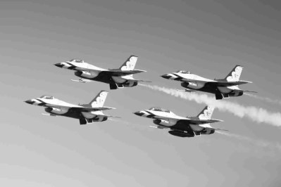 Black & White Photo of Air Force Thunderbird F-16s in Formation