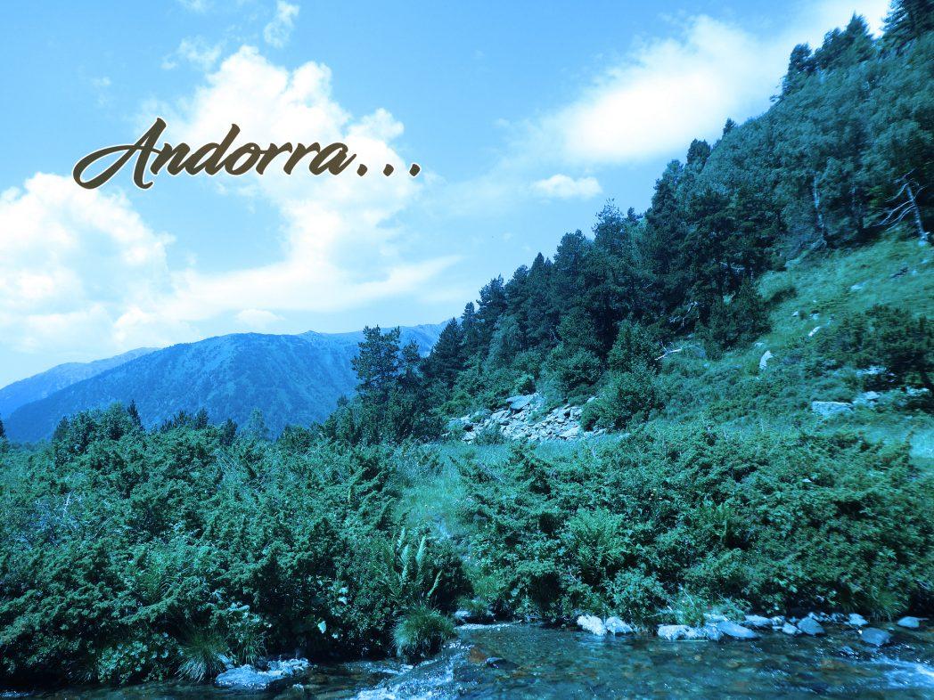 Paseo por las montañas de Andorra.