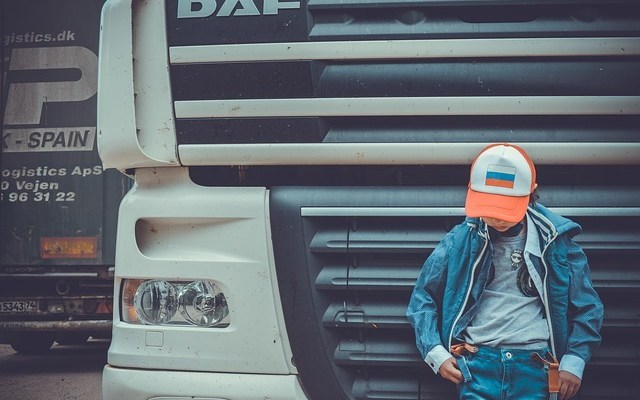Los tipos de gorras trucker para este verano