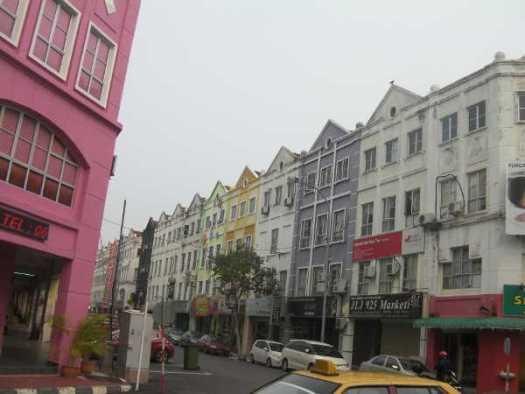 ホテルやレストランが並んでいました。