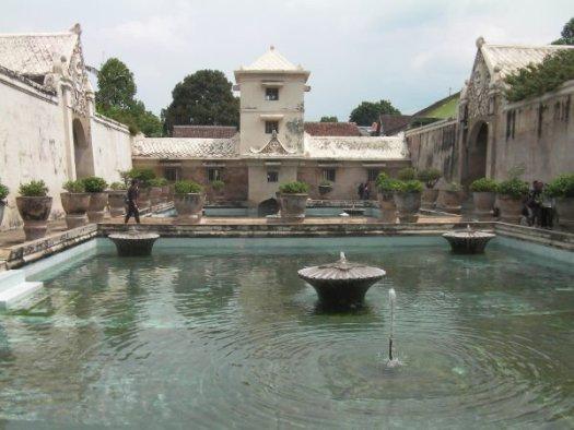 水の宮殿タマンサリ