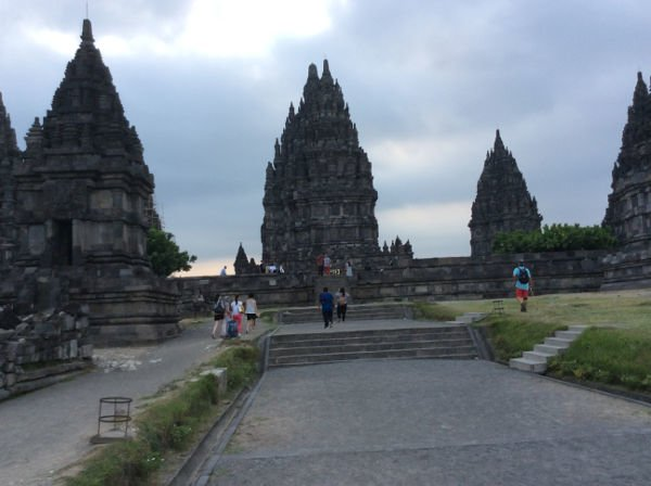 ヒンドゥー寺院の遺跡