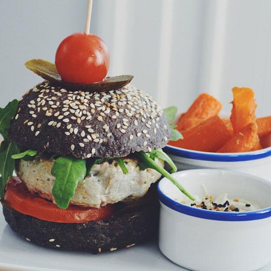 FLAX  KALE Cocina vegetariana en un ambiente cool e internacional en Barcelona  DolceCitycom