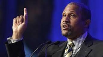 Tavis Smiley calls out RNC Sheriff speaker for Black Lives Matter diss