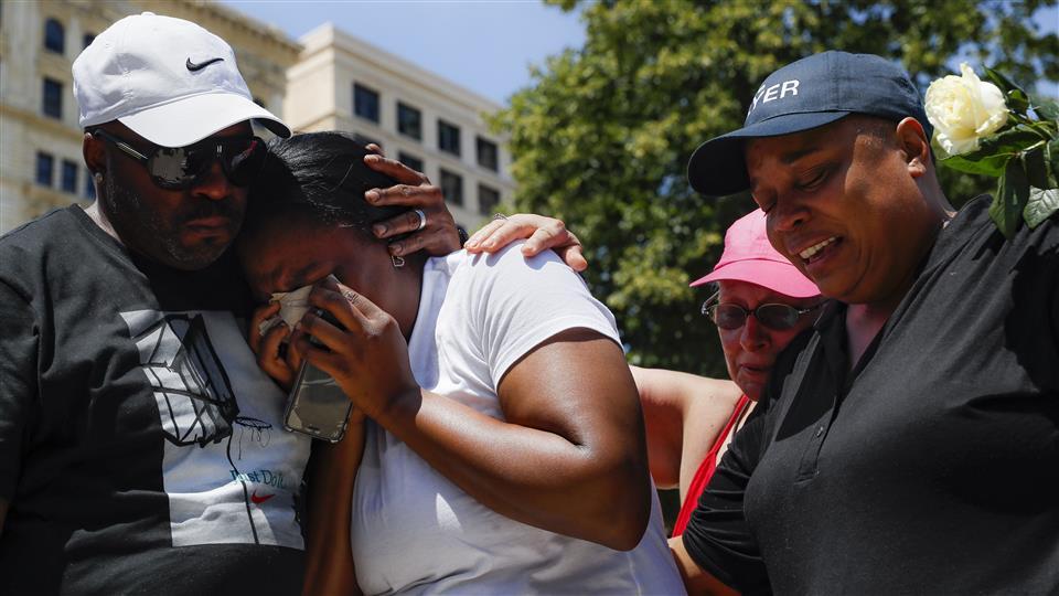 At least nine people were killed and 27 injured in Dayton, Ohio. Photo_ John Minchillo_AP