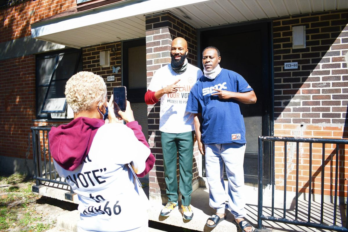 Common and HAULYP visited Cuney Homes urging residents to vote