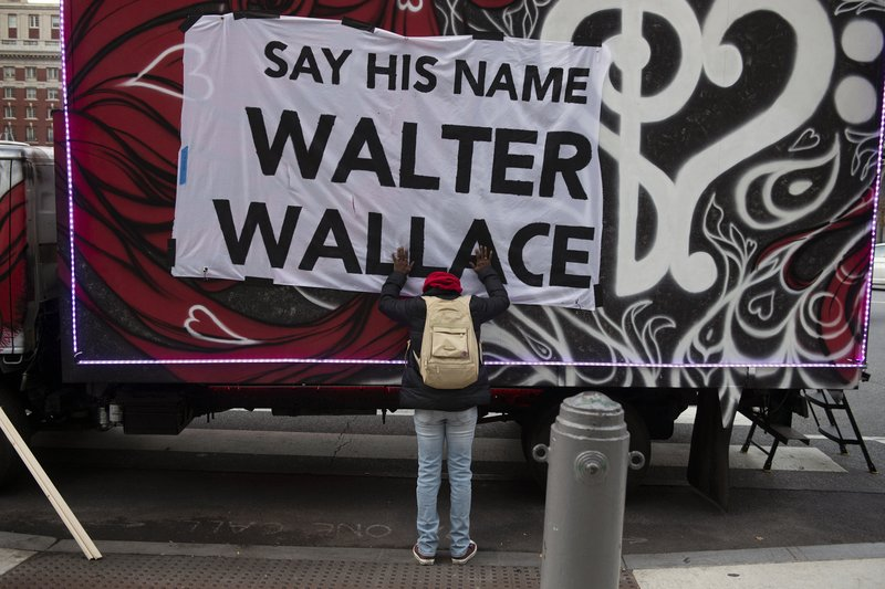 Video, 911 calls released in Walter Wallace police killing