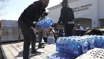 Comcast, Wells Fargo each donate $500K to Houston winter storm relief efforts