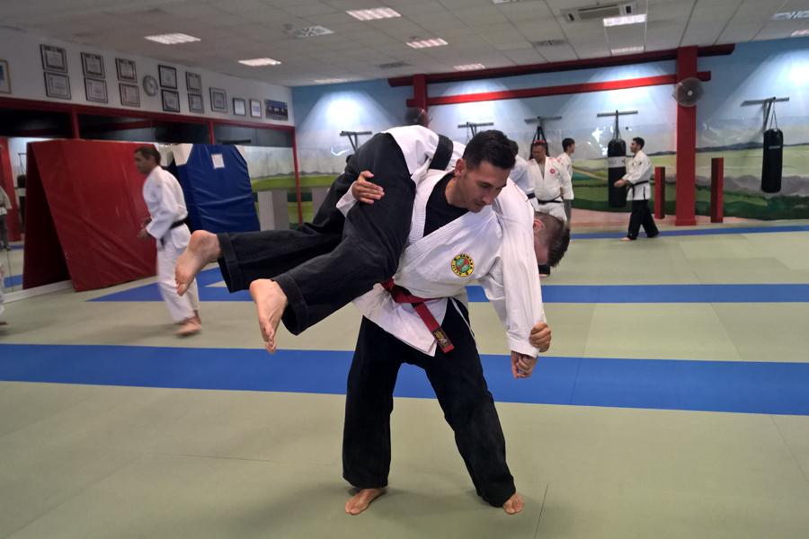 Yawara-Jitsu > Defensa personal