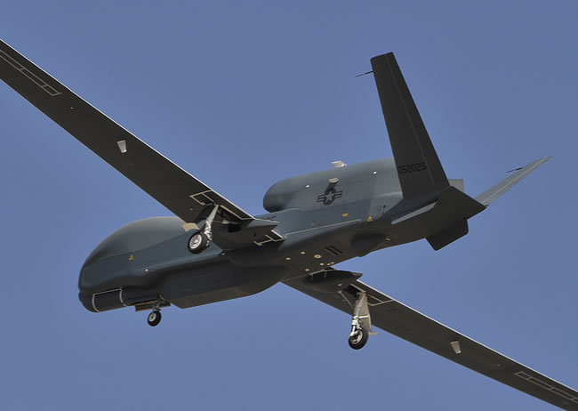 RQ-4B Block 40 carrying the MP-RTIP radar system on its first flight, July 21, 2011. The radar AESA antenna is located in the gondola shaped pod while other radar modules are located in payload bays inside the fuselage. Photo: Northrop Grumman