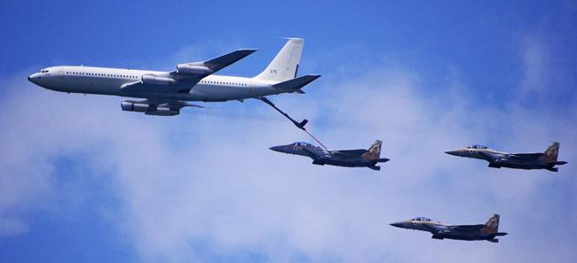 Boeing 707 (Reem) Flying Tanker refuelling F-15I (Raam) strike fighters. Photo: Noam Eshel