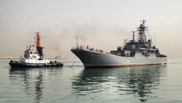 Azov enters the Israeli port of Haifa on the first visit of a Russian military warship in Israel, May 1, 2013. Photo via Novosti.