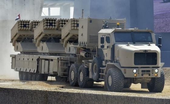 The MCL demonstrated at the recent IDEX show.