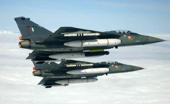 tejas_lca_aa11_and_litening800