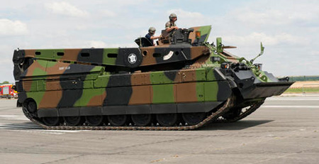 The upgrade contract will include modernization of 18 armored recovery vehicles in addition to 200 Leclerc tanks. Photo: French Army