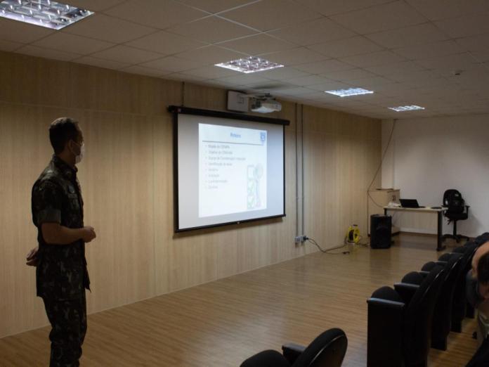 article 10 - Aviação do Exército recebe curso do Centro de Investigação e Prevenção de Acidentes Aeronáuticos
