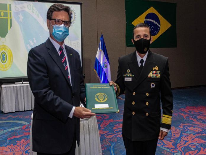 article 43 1 - Em El Salvador, 25 anos da Missão Militar Brasileira e condecoração do Ministro da Defesa