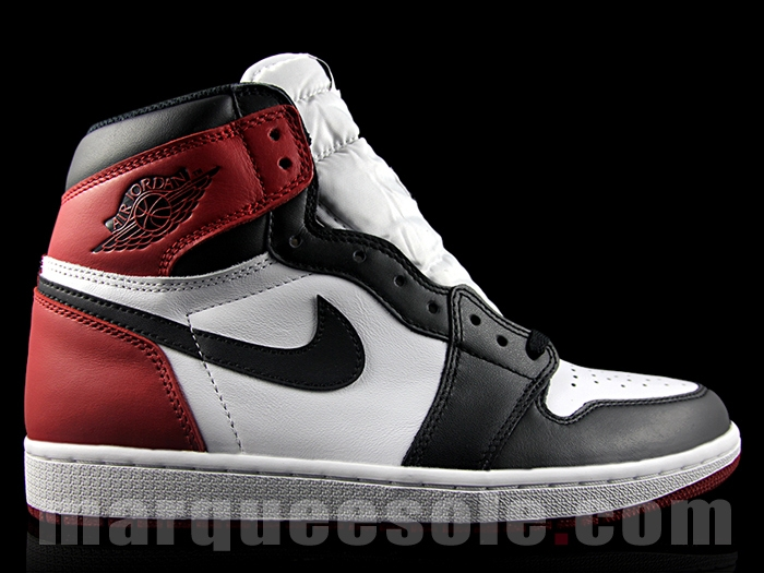 Air Jordan 1 Retro High OG Black Toe 6