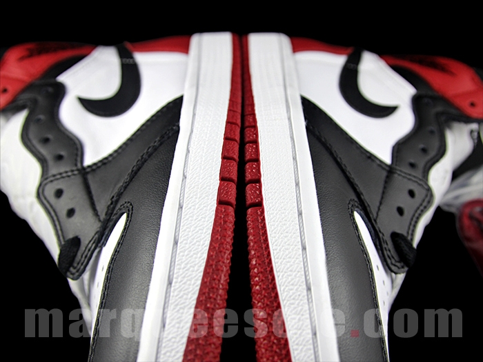Air Jordan 1 Retro High OG Black Toe 9