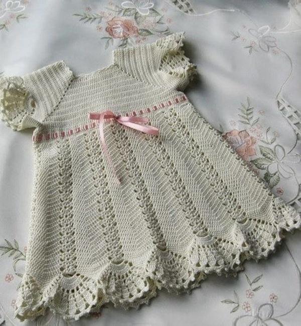 Lindos modelos de vestidos de crochê para bebê