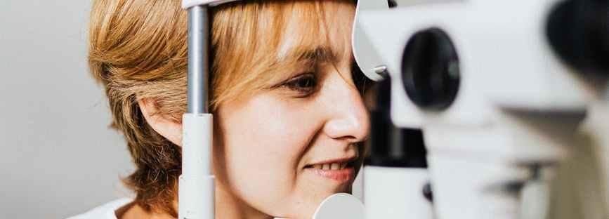 woman technology lens student