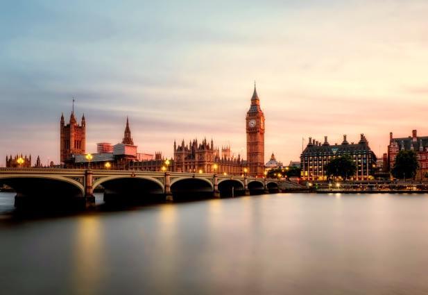 Big Ben bridge in England