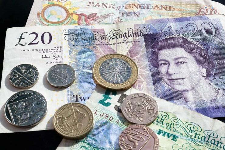 pound symbols note coin