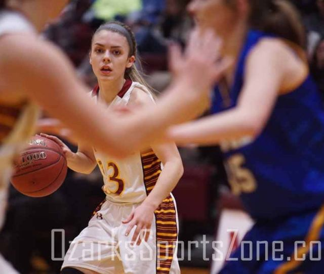 Mansfield Holds On Late To Beat Ava