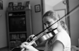 Finally a great photo of her playing the violin.