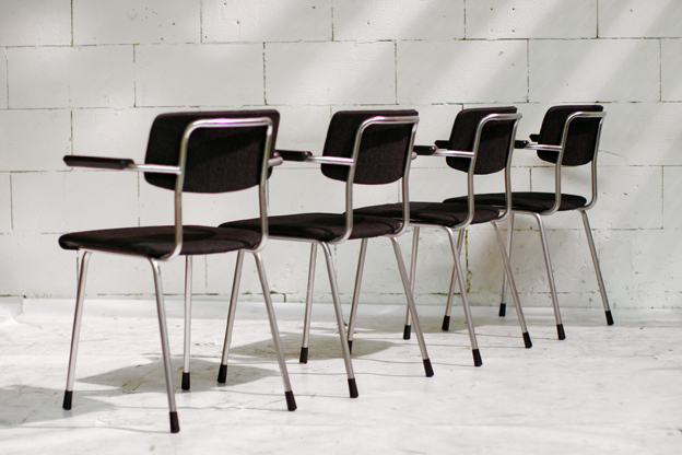 Retro Vintage Gispen stoelen met armleuning  Dehuiszwaluw