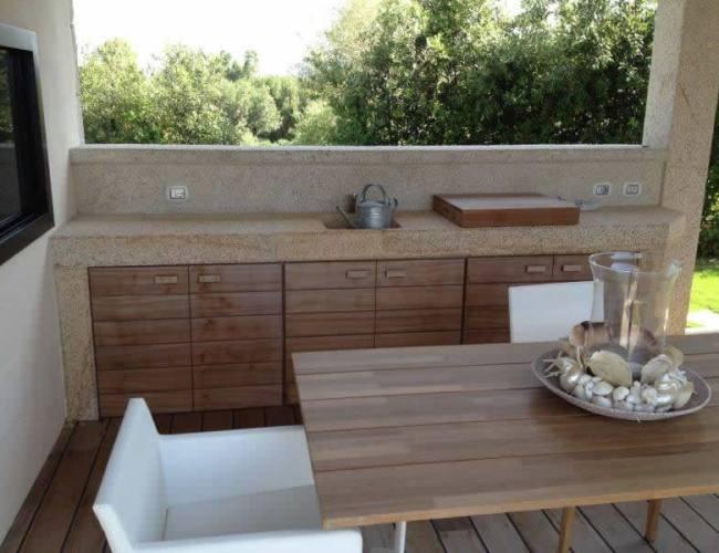Custom-made Outdoor Kitchen In San Giacomo Yellow Granite