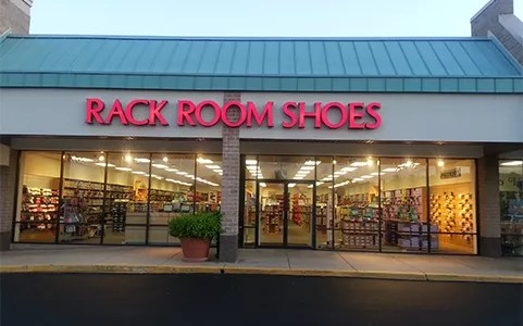 shoe stores at rio hill shopping center