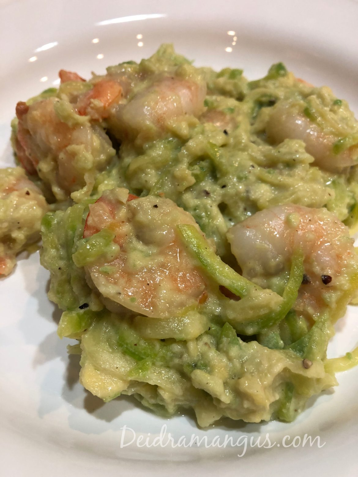 Avocado alfredo, healthy shrimp alfredo recipe, healthy dinner recipes, deidra mangus, zucchini noodles, online fitness coach, successful beachbody coach, forever fit, military wife, healthy nurse