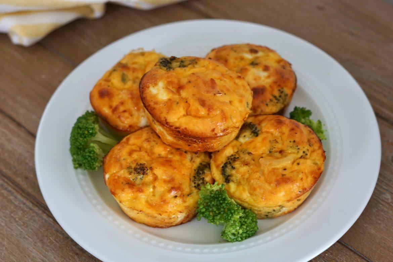 Buffalo Chicken, broccoli, egg cups, Deidra Mangus, healthy breakfast recipe, easy breakfast recipes, weight loss recipes, low carb breakfast