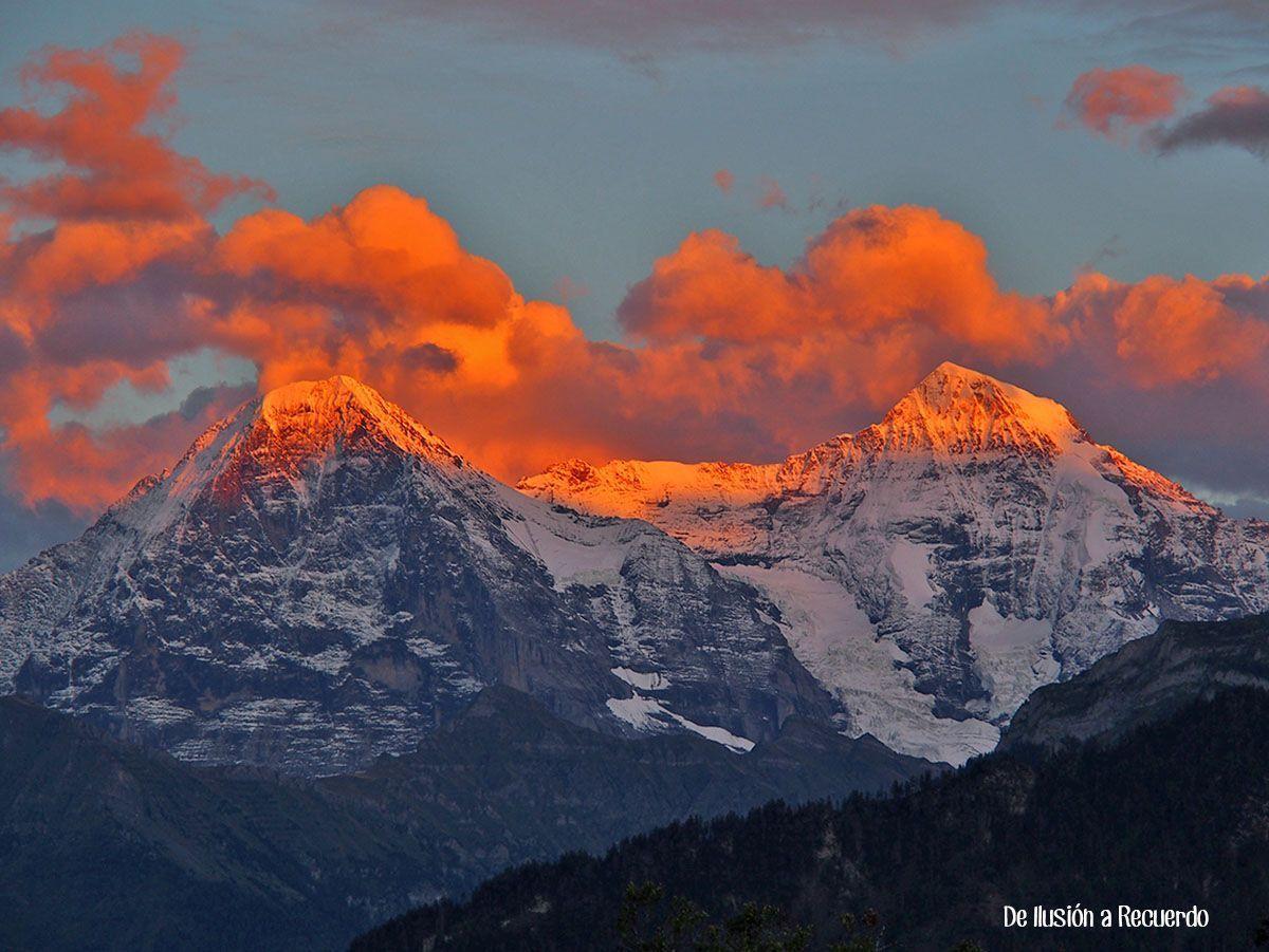 Atardecer en los Alpes suizos