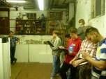 Eingeläutet wurde der Workshop von ClubE mit einem Energierundgang, bei dem die Schülerinnen und Schüler im Alter von 14 bis 17 Jahren die Heizzentrale besichtigt haben und den Energieverbrauch der Schule erfasst haben. Foto: Berliner Energieagentur