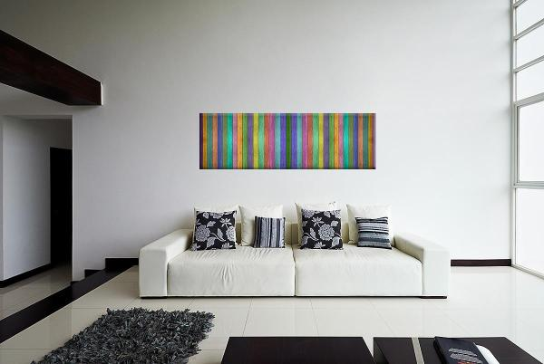 db_1833_bunte_zaunslatten_abstrakt_panorama_40x120_cm_couch_1