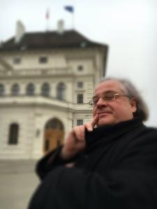 """Präsidentschaftskandidat Dr. Luxemburg plädierte in der gestrigen TV-Diskussion auf Puls4 für sofortige Aufhebung der Sanktionen gegen Russland. Luxemburg: """"Die wertvollen und freundschaftlichen Beziehung zu Russland dürfen nicht weiterhin aufs Spiel gesetzt werden!"""""""