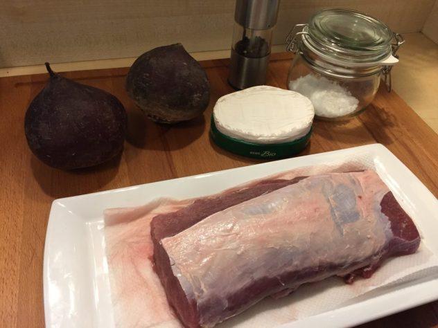 Zutaten für Rehrücken mit Camembert und Roter Beete Salat