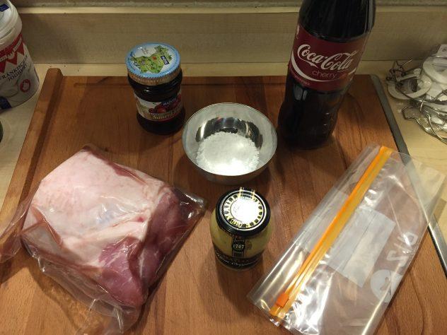 Zutaten für Schweinelachsbraten mit Cherry Coke Chilli Glasur