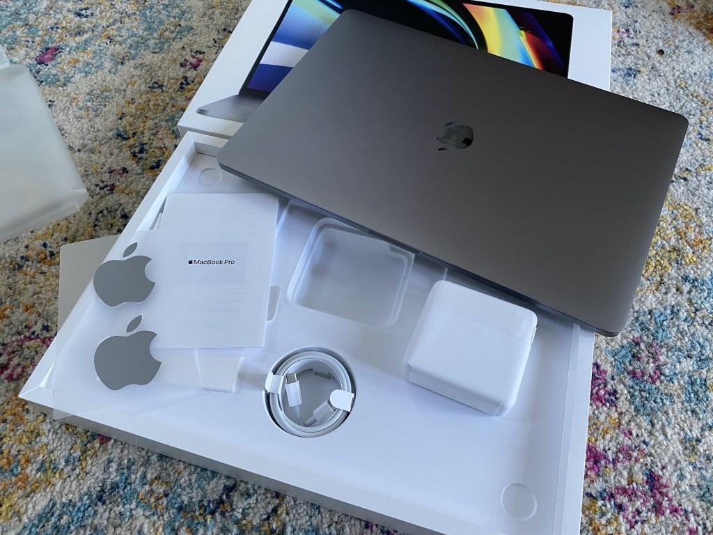 MacBook Pro 16 box contents