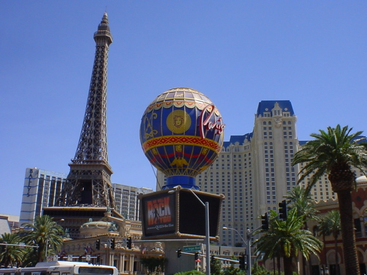 Paris Las Vegas tower and hotel