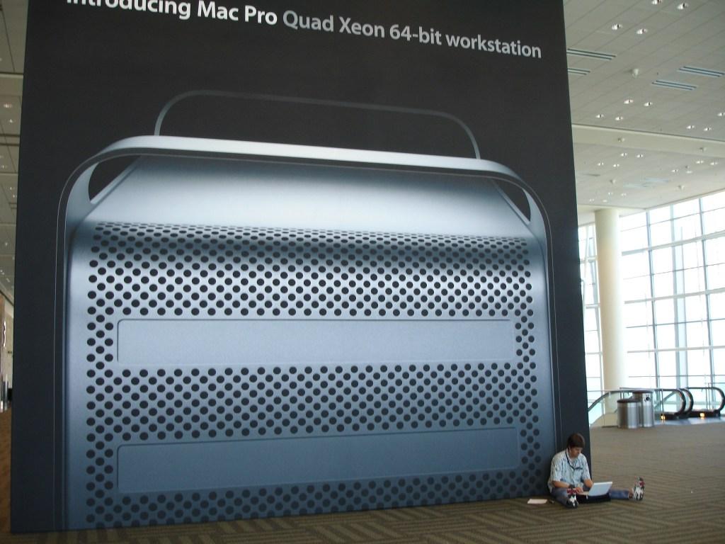 Mac Pro sign