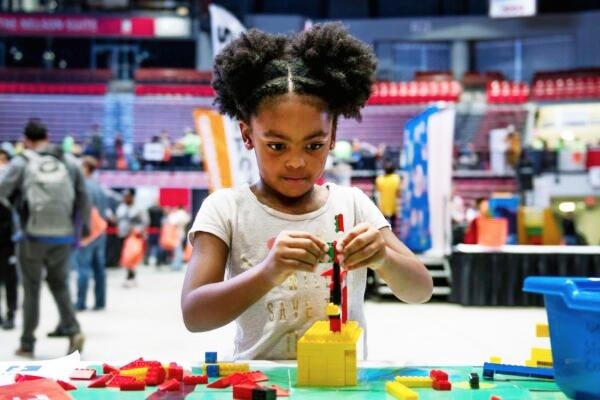 NIU To Host Online STEM Fest Celebration Oct. 31
