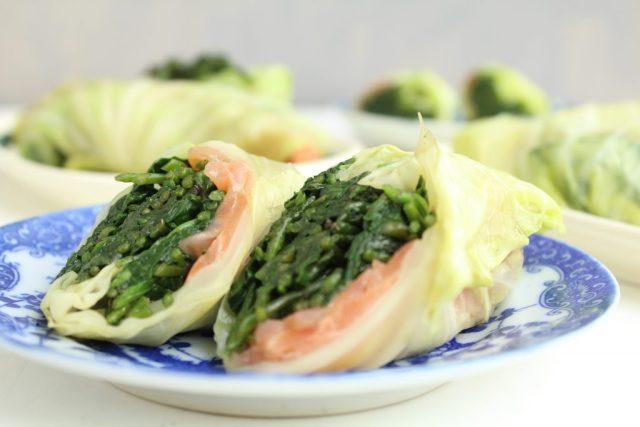 Koolwrap met spinazie, zeekraal en zalm