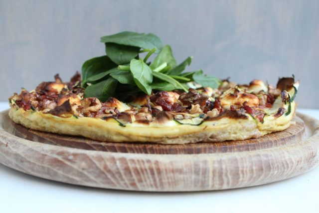Quiche met spek, walnoot en geitenkaas