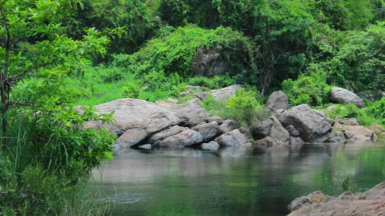 Bhoothathankettu_rockey_old-dam_01