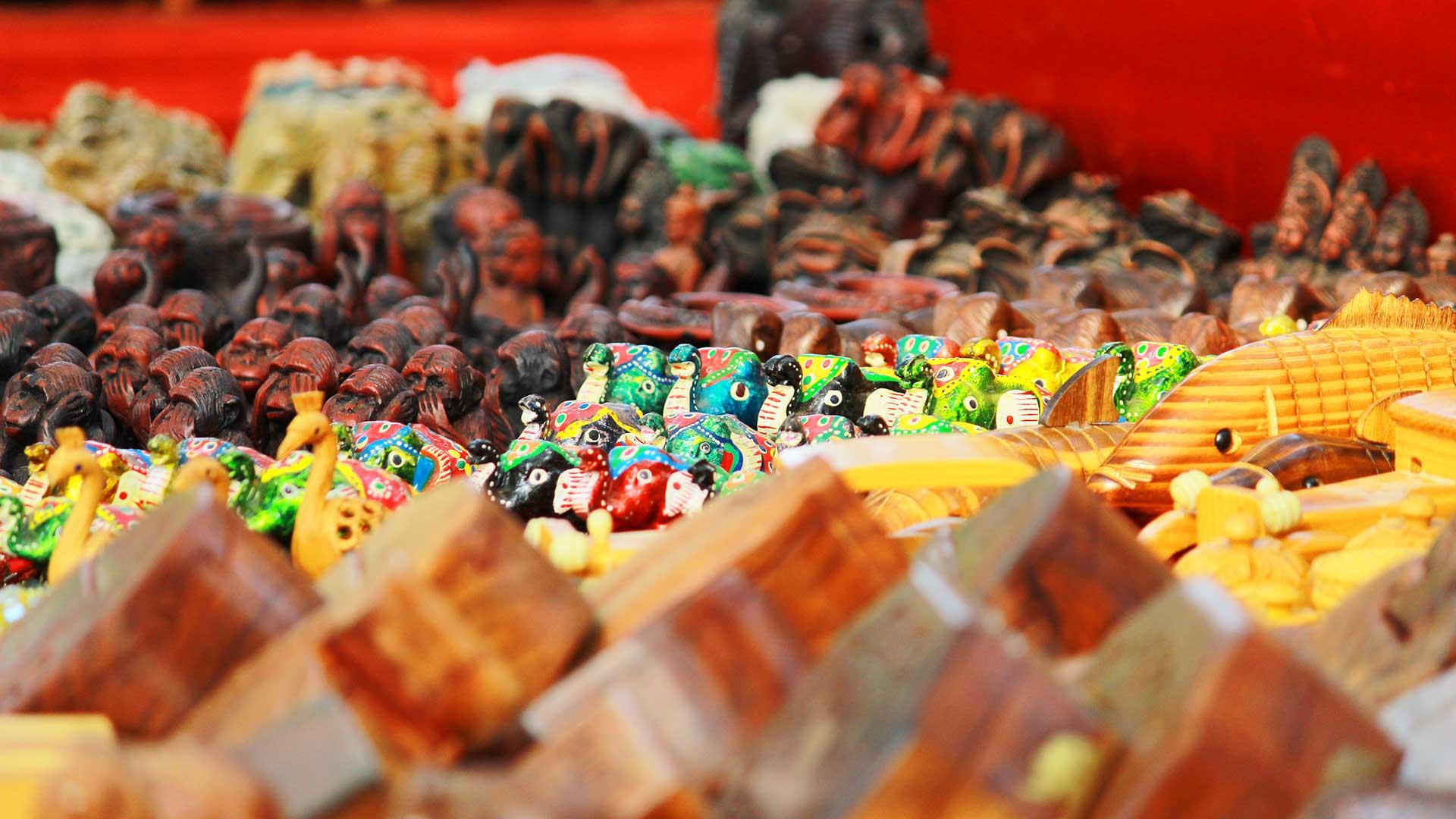 Fort Kochi Beach - Street Venders-Handicrafts, Handicrafts Kochi